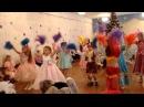 Детский танец с пампушками.Новый год. Детский танец.