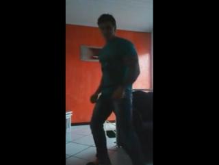 Dançando em casa!