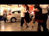 Танго-флеш-моб в ТЦ