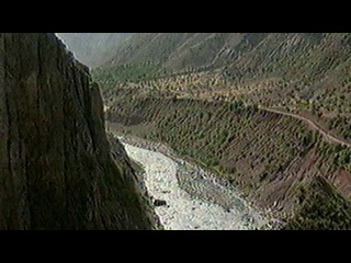 Правоохранительные органы Таджикистана продолжают спецоперацию против боевиков в Рамитском ущелье - Первый канал