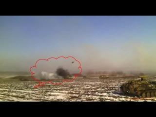 Ukraine War - VIDEO Ukrainian breakthrough from Debaltseve. One vehicle hit on video.