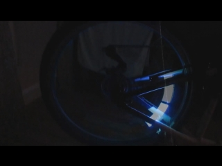 Светящиеся колпачки на нипель колеса