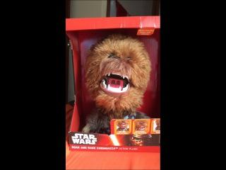 Анимированная игрушка Чубакка из фильма Звездные войны
