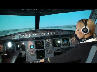 Стюардесса посадила A320.