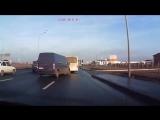 Опытный дальнобойщик сумел предотвратить аварию