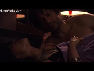 Карли Поуп (Carly Pope) в нижнем белье в сериале
