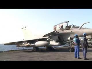 Вылет французских истребителей с авианосца