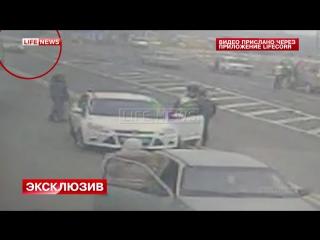 Опубликовано видео теракта на посту ДПС в Дербенте
