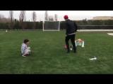Криштиану играет с сыном