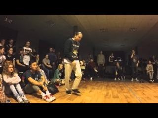 Funky man #8  |  Popping 1/8 final   |   Макс Болотских vs PAKU