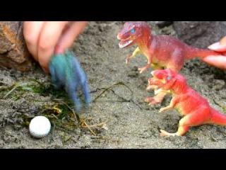 Мультик про динозавров. Хороший динозавр защитил яйцо от тиранозавров