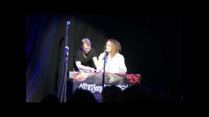 Benny and Tim Minchin Piano Duel The Axis of Awesome