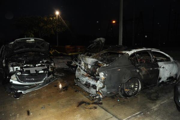 Сожжённые машины в Мехико