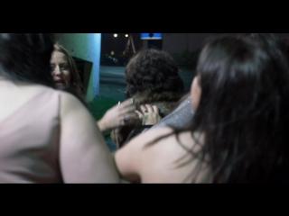"""Фрагмент из фильма """"Побудь в моей шкуре"""", где снималась Шэрон"""
