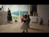 17-00 05.01.2015 Танец Баба Яги и Кощея на кукольном спектакле