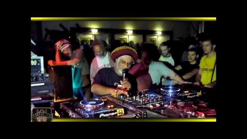 KING EARTHQUAKE KING SHILOH ABA SHANTI I playing the last dubs @ soundsystem weekender 2015