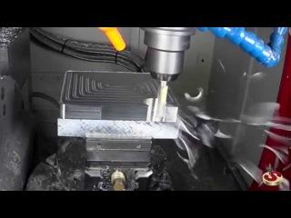 Обработка на станке Akira Seiki RMV 250 RT1. Управляющая программа сделана в iMachining SolidCAM
