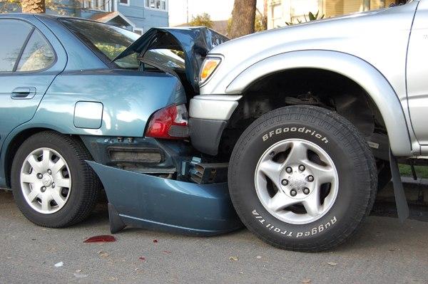 C 1 июля машины придётся убирать с проезжей части после ДТП! http://ww