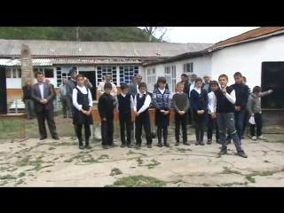 Репетиция учащихся Джули СОШ к празднику 9 мая 2014 года