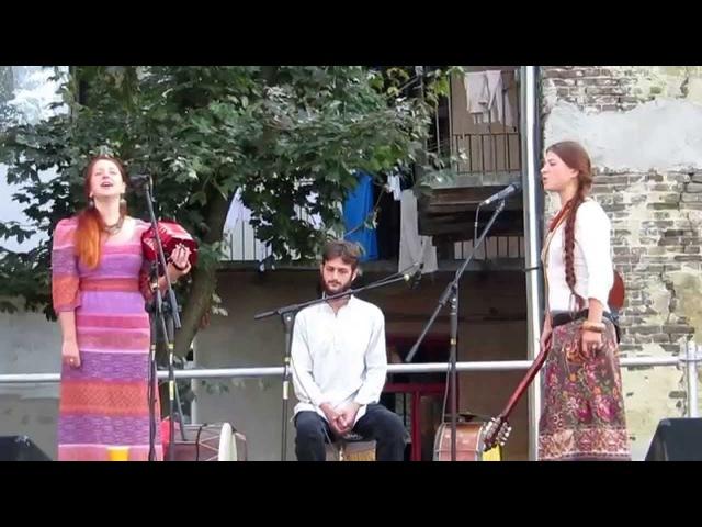 Olenky | Оленки - Веснянка: Почало на весну да воскресати (Ukrainian Spring Song) FolkRockVideo