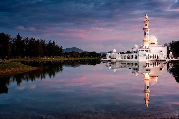 Плавающая мечеть Теренггану, Малайзия