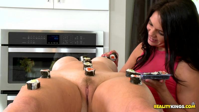 X-CAFE Brianna Ray, Dixie Brooks (Lady  porn,Blonde,Brunette,Po