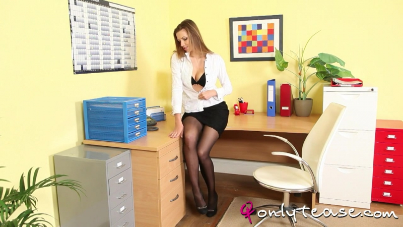Секс с секретаршей неизбежен