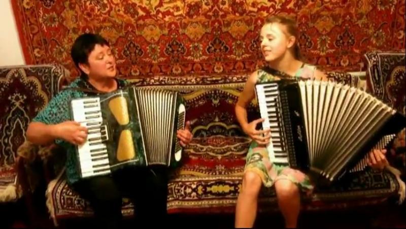 Лисниченко Ольга и Водовоз Алина Гуцулка Ксеня