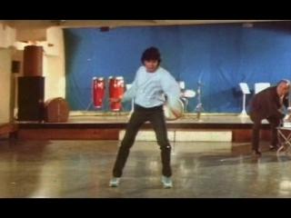 Танцуй, танцуй (Индия, 1987, 2 серии) боевик, Митхун Чакраборти, Смита Патиль, советский дубляж