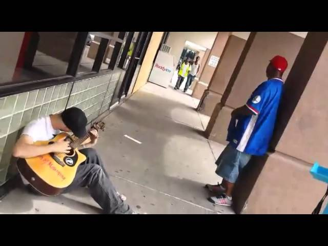 Amazing jam session - Three random guys sing together