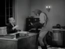 Сериал Бэтмен Batman 1943 года Бэтмен и Робин тролят деда
