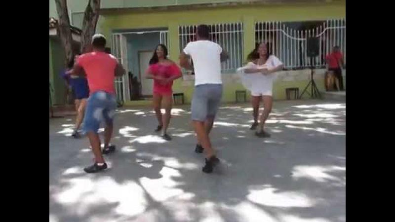 Pilón by Conjunto Folklórico Nacional de Cuba in Sabado de la rumba