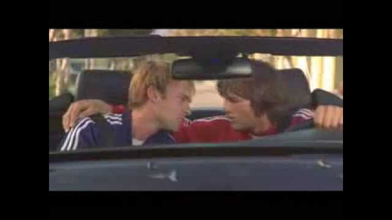 Поцелуй из фильма 'Где моя тачка чувак'
