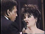 Linda Ronstadt &amp Aaron Neville Don't Know Much live 1990