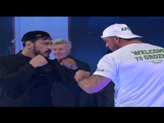 Посетил церемонию взвешивания бойцов турнира