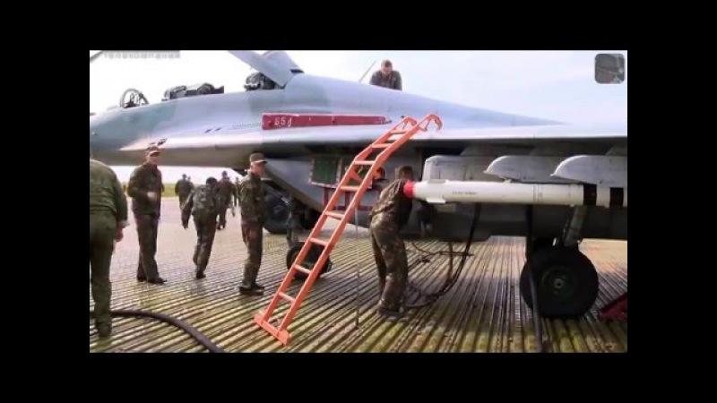 Взлет и посадка МиГ 29 и Су 25 на автомобильную трассу