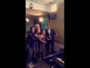 Каст «Остин и Элли» в студии радио «Дисней», 4 января.