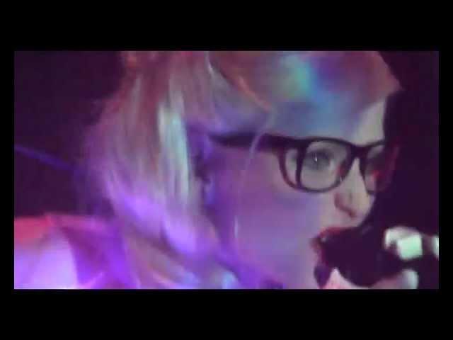 Welle:Erdball-Ich bin aus Plastik(live)