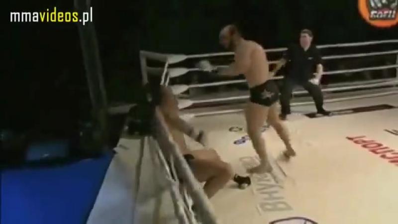 Адам Алиев делает торнадо кик