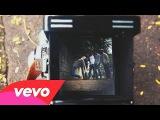 Kaiser Chiefs - Falling Awake
