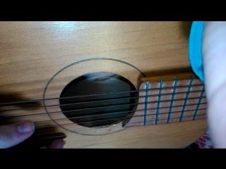 Старая советская гитара.