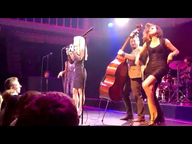 Scott Bradlee's Postmodern Jukebox - All about that bass - @Paradiso