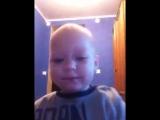 Первое селфи-видео моего малыша)