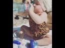 """Natasha💏💗👼 on Instagram: """"Не любим мы детские бутылочки! Все по-взрослому😝😉 И так минут 30😂 А потом в пустую бутылку стала камешки собирать😎🙈"""""""