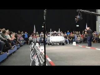 Laurence Shahlaei Breaks Car Walk World Record