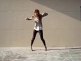 Офигенная девка, офигенно танцует [V/M]