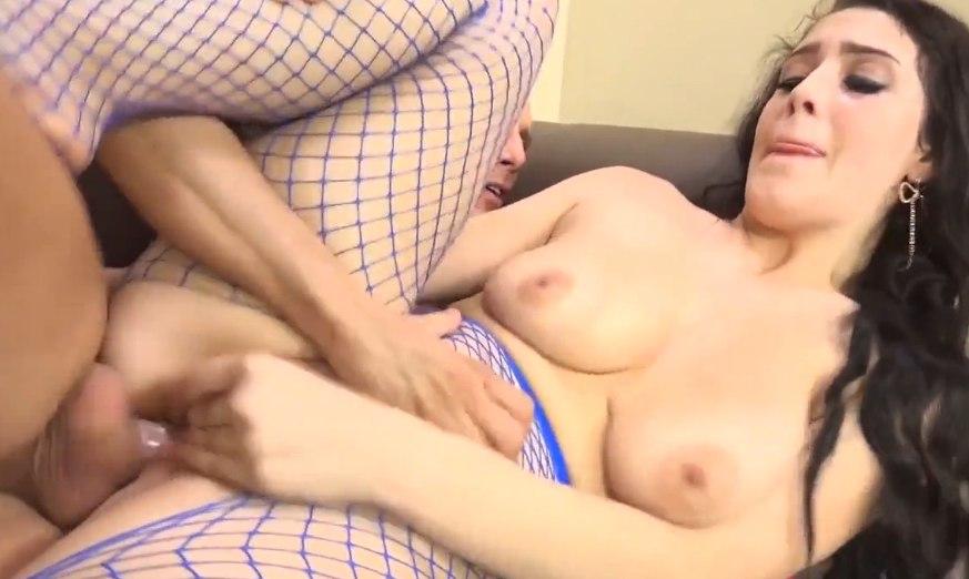 Сексуальным бельем возбудила