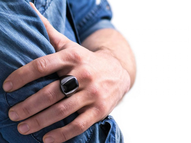 OURA ring. Improve sleep. Perform better.