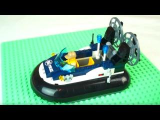 Собираем конструктор Лего. Полицейский катер Lego. Видео для детей.