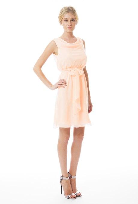 V1l2rb0n0O8 - Актуальные в наступающем сезоне персиковые свадебные платья